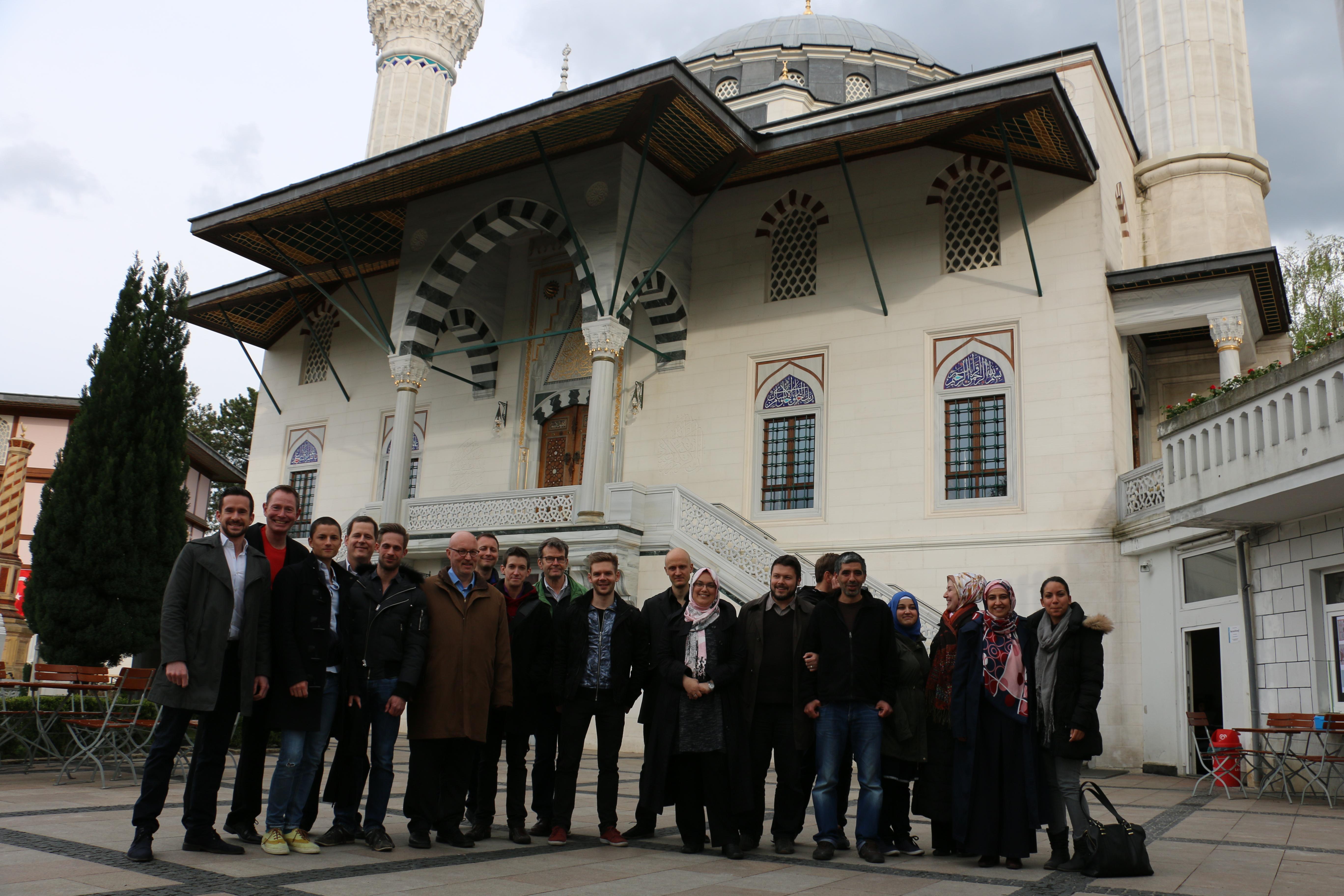 Start unserer muslimisch-schwul-lesbischen Dialogreihe in der Sehitlik-Moschee