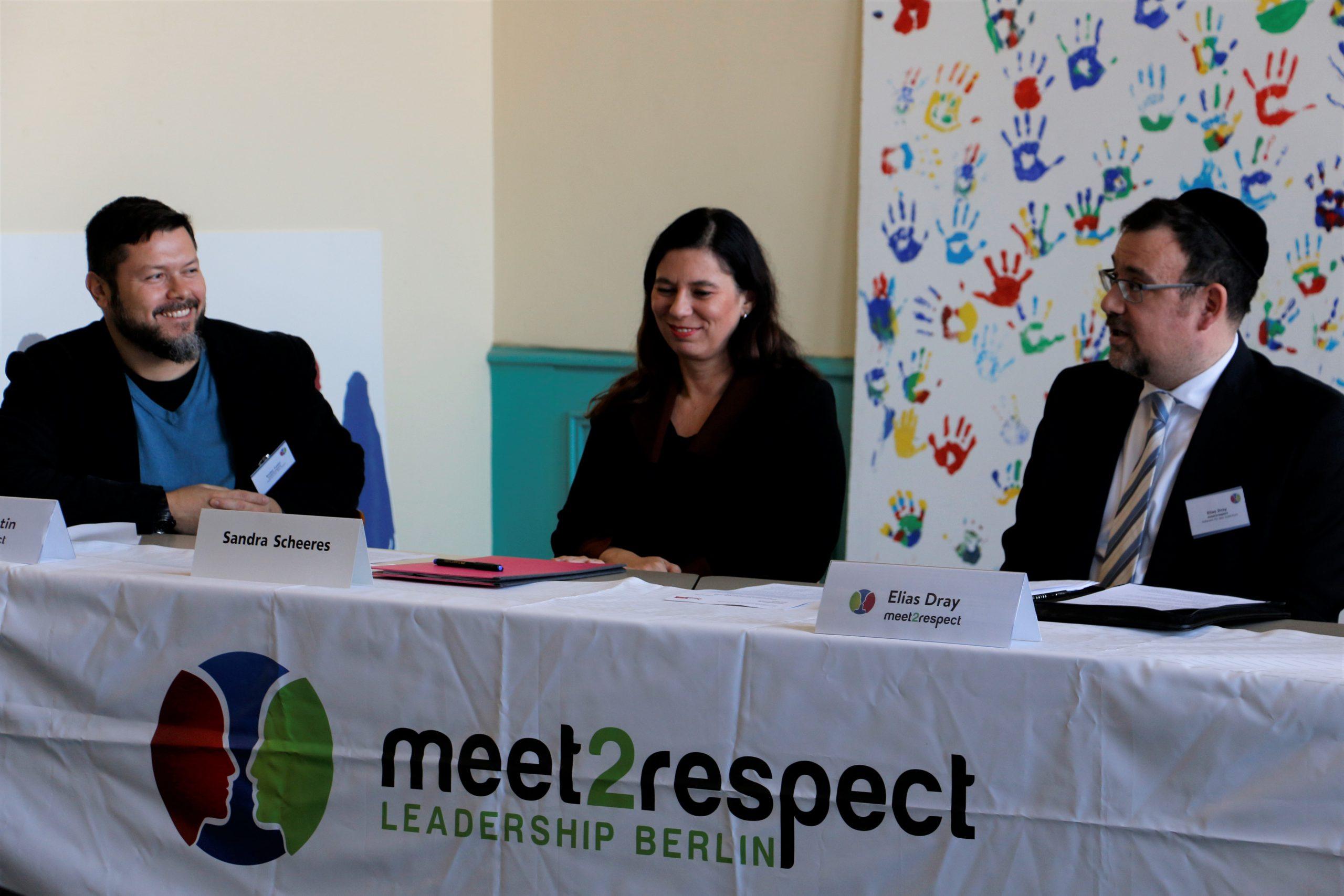 Bildungssenatorin Scheeres mit meet2respect in der Friedenauer Gemeinschaftsschule